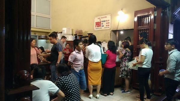 河內傳統美食名店推薦懶人包整理-牛肉河粉Pho Pho Gia Truyen及雞肉河粉Pho Ga @東南亞投資報告