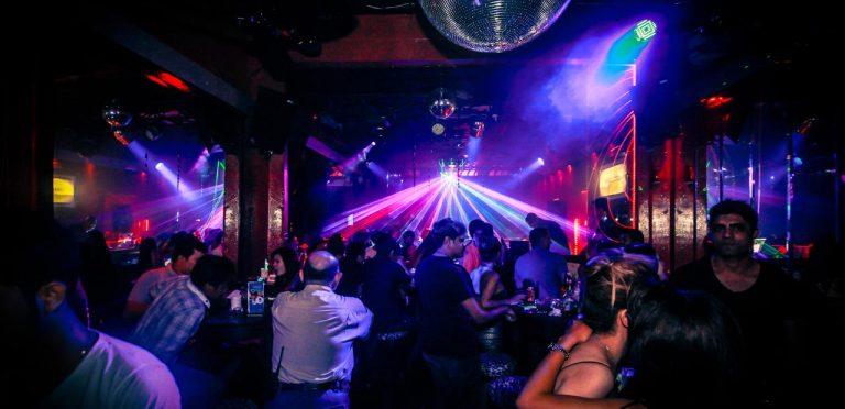 柬埔寨金邊精彩夜生活何處去?夜生活、KTV、夜店、酒吧推薦懶人包整理Darlin Darlin,Angkor,The Lounge at Riverhouse @東南亞投資報告